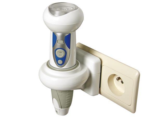LAMPE TORCHE 7 LED RECHARGEABLE SUR PRISE 3 FONCTIONS